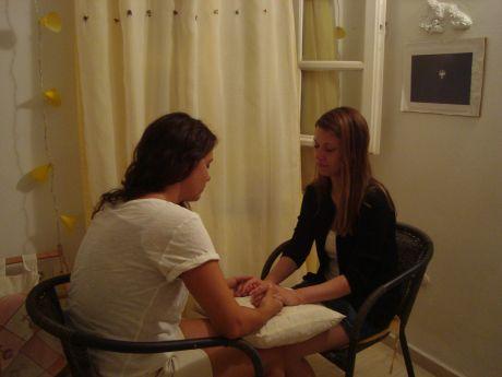 Катина Груева провежда тета сесия